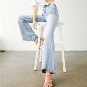 NWT Kan Can Light Wash Flare Bell Bottom Jeans